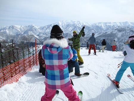 岩原スキー場山頂クワッドリフトにて