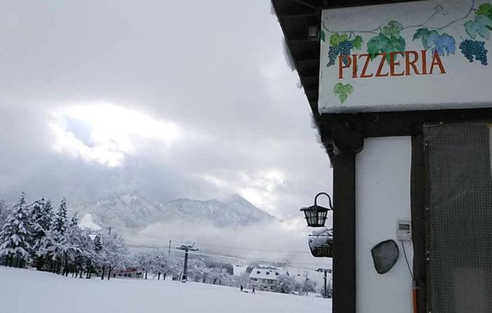 ピットーレ岩原本店 クリスマスコース4日目、今日は雪