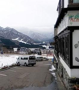ピットーレ岩原本店 本日は車両通行できます。